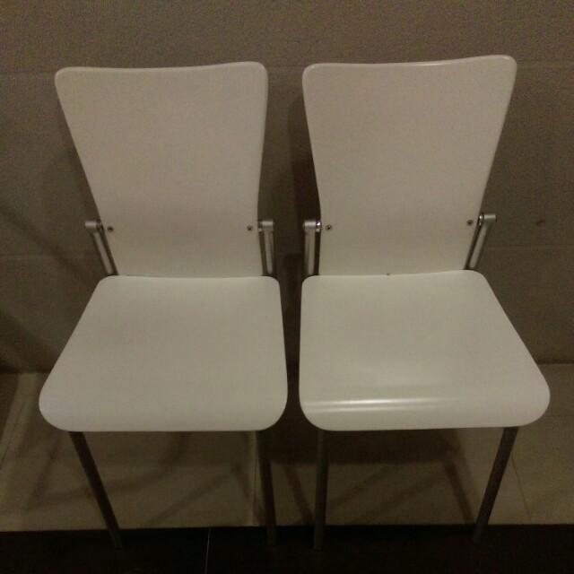 可往後仰2張椅子