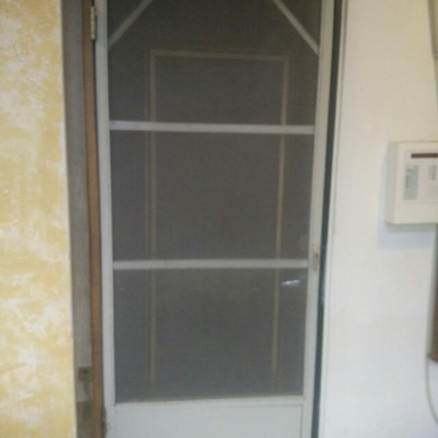 懷舊老紗窗門