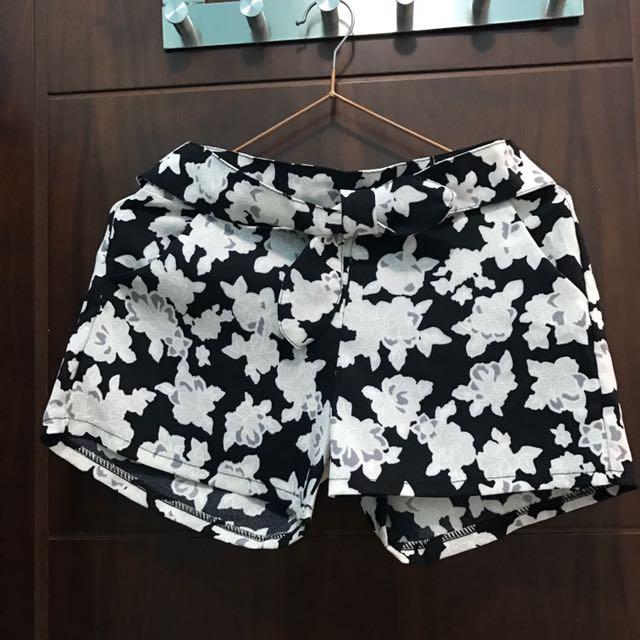 黑白花花短褲
