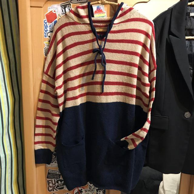 條紋拼接連帽針織長版毛衣