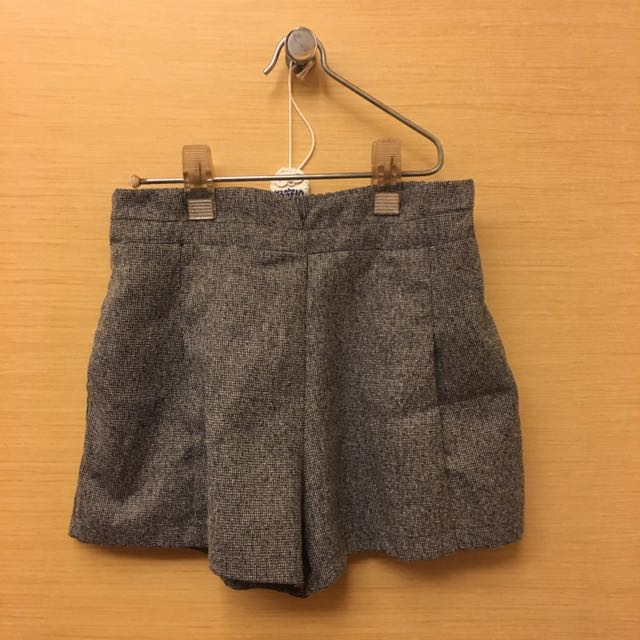 細網格秋冬灰色短褲