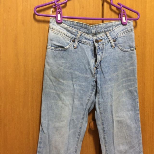 品牌藍哥小直筒牛仔褲