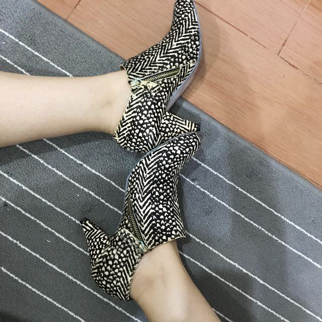 Aldo leopard semi boots 39