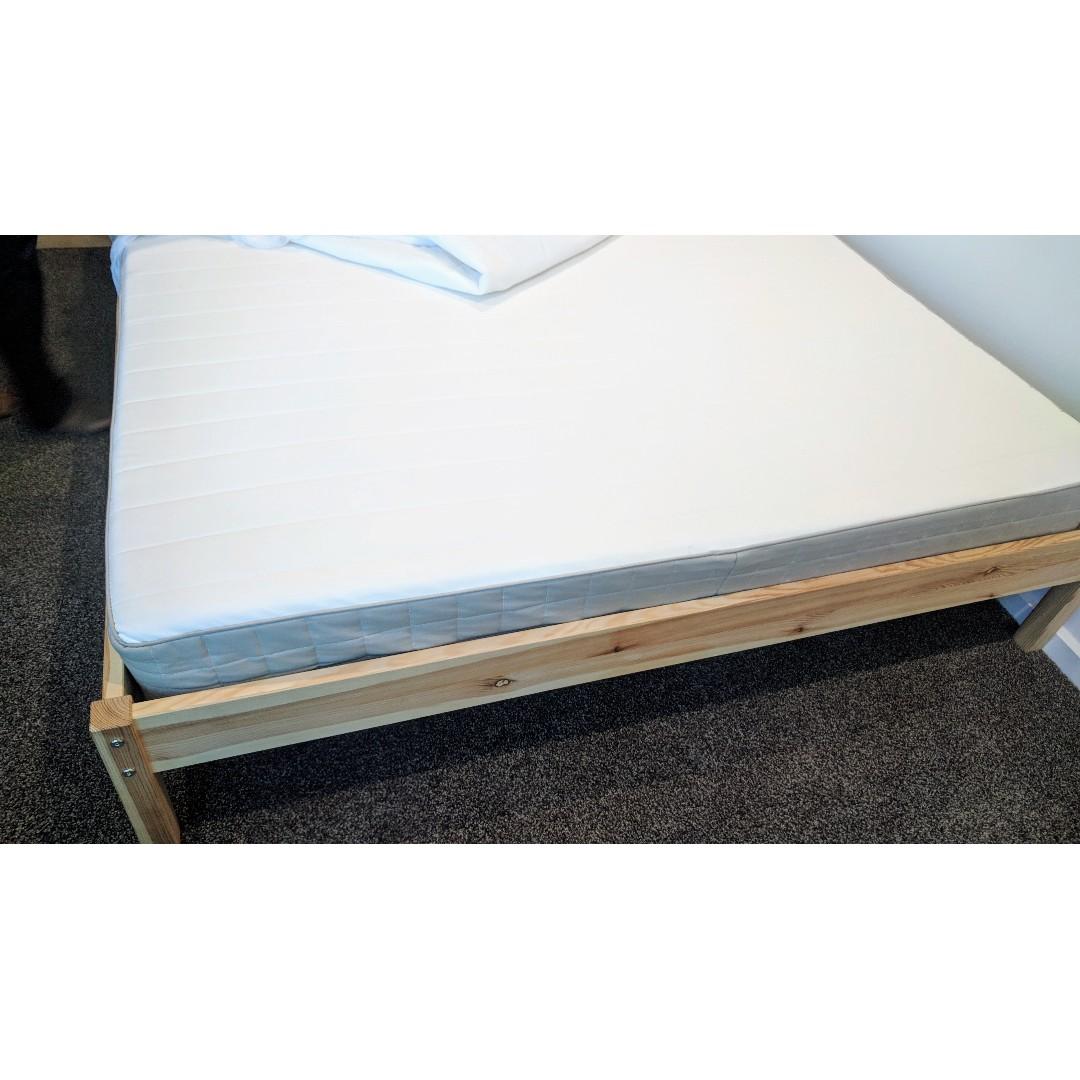 Almost new queen size mattress