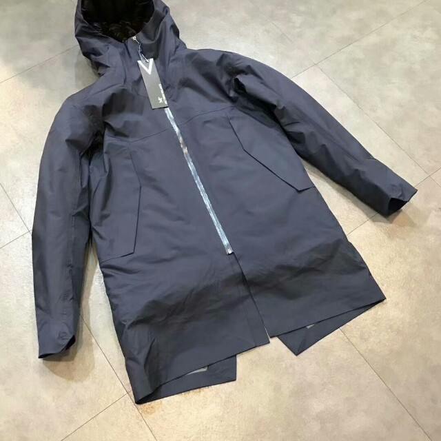 5d9547685e Arc'teryx Veilance MONITOR DOWN COAT, Men's Fashion, Clothes, Outerwear on  Carousell