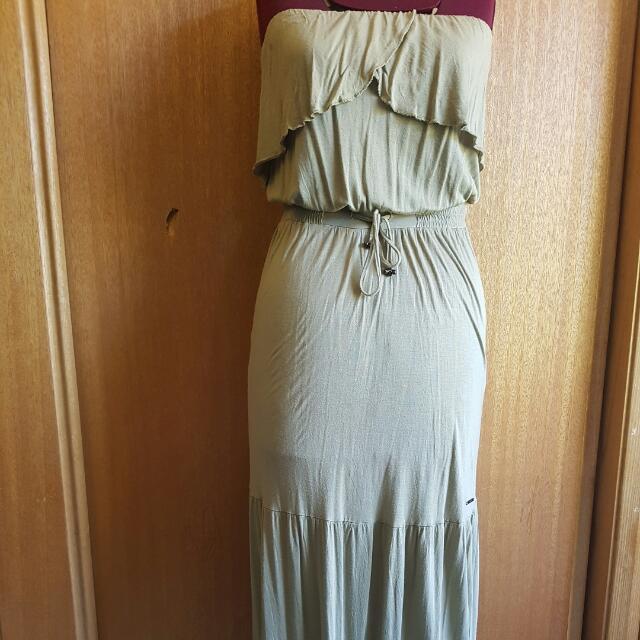 Billabong Size 8 Maxi Dress