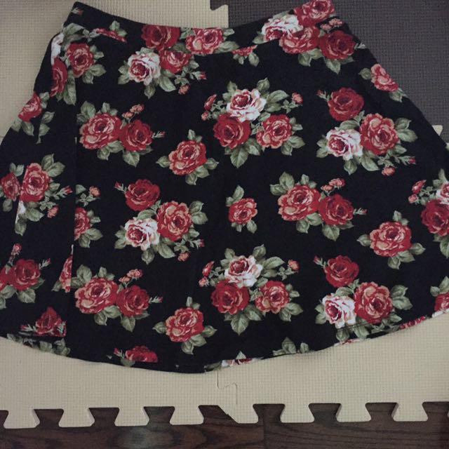 #BlackFriday50 Forever 21 floral skater skirt
