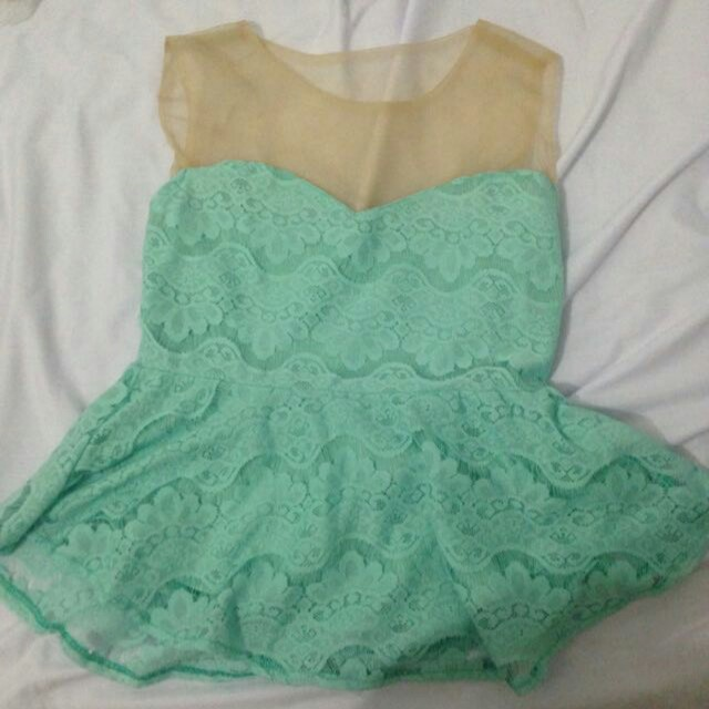 Blouse lace size m
