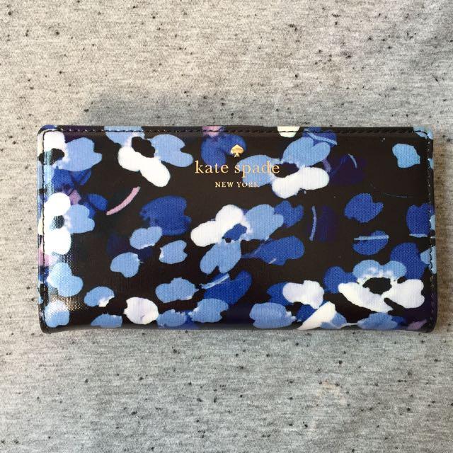 0e0f9a07b59cf Bn Kate Spade Cedar Street Fl Stacy Wallet Luxury Bags