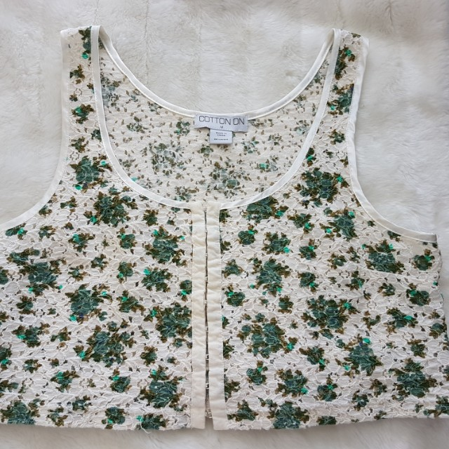 Cotton On - Floral and Cream crop top - Size M