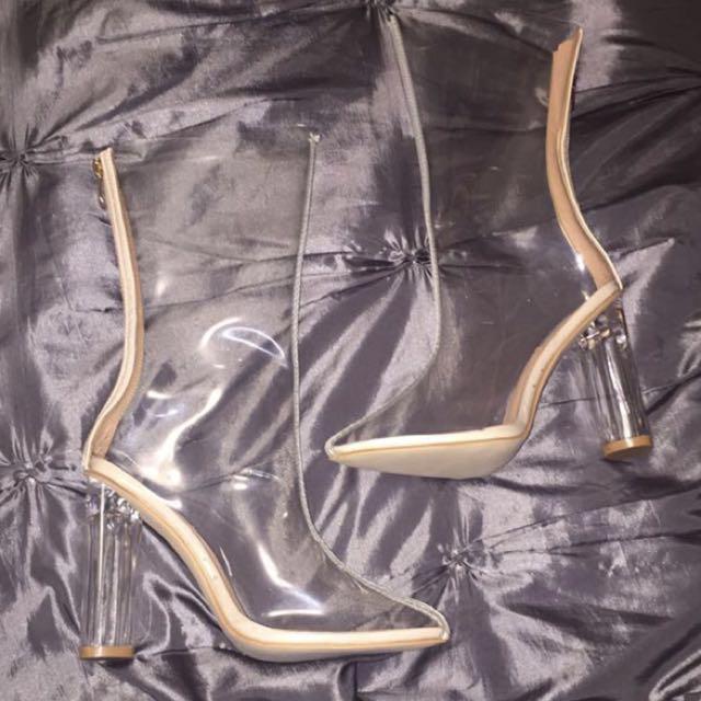 Fashion nova clear heels, SIZE 7