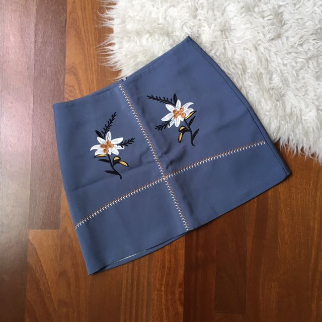 Flower embroidery skirt