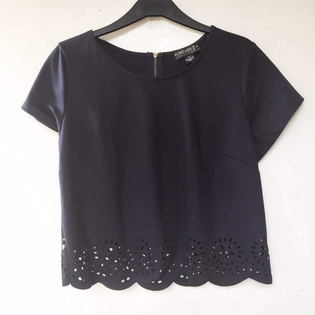 Forever21 navy crop top