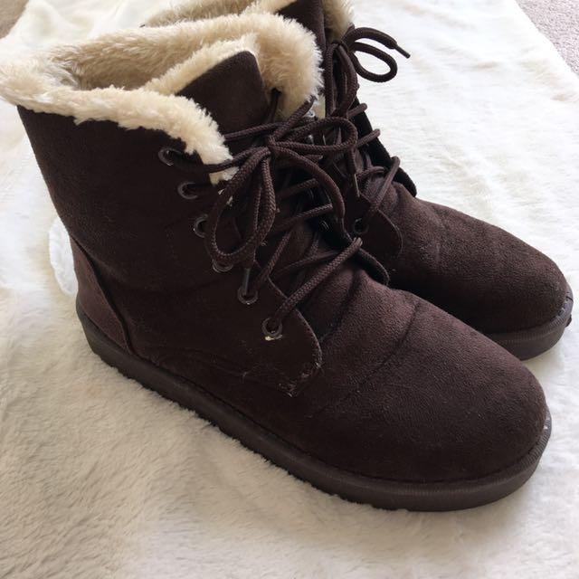 Fur lace up boots