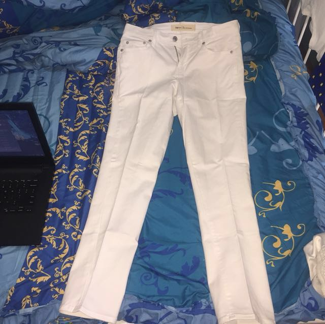 Gap boyfriend white jeans