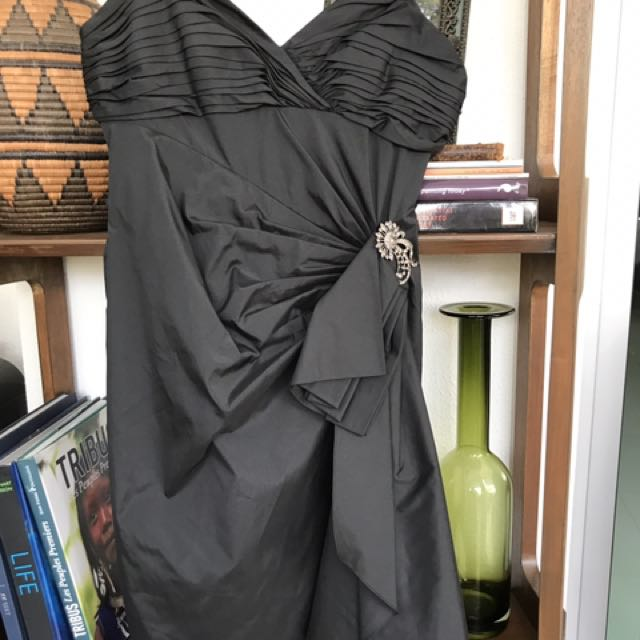 Gorgeous cocktail dress. Never worn. No tags