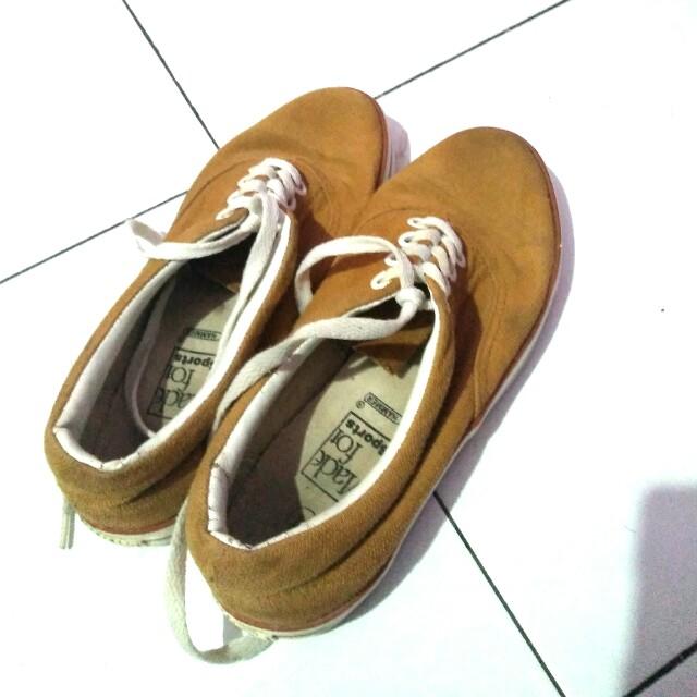 Hammer shoes ori