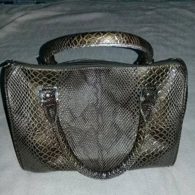 Jovanni Doctor's bag