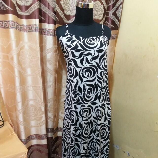 Long dress motif