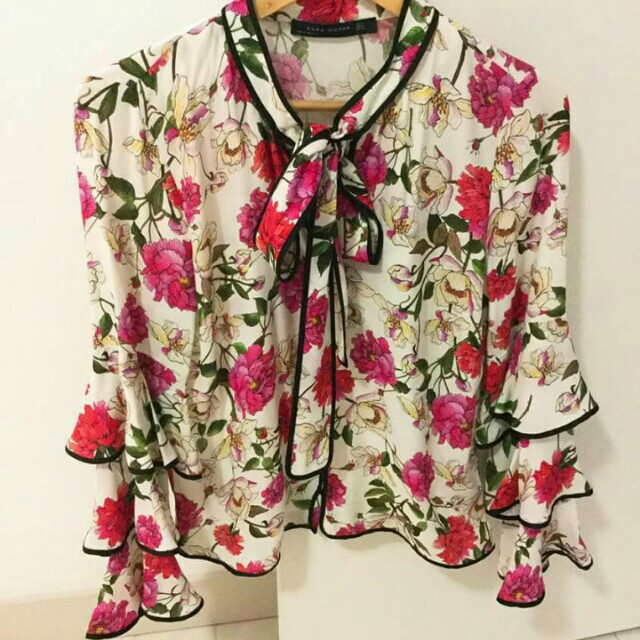 Looking for exact blouse