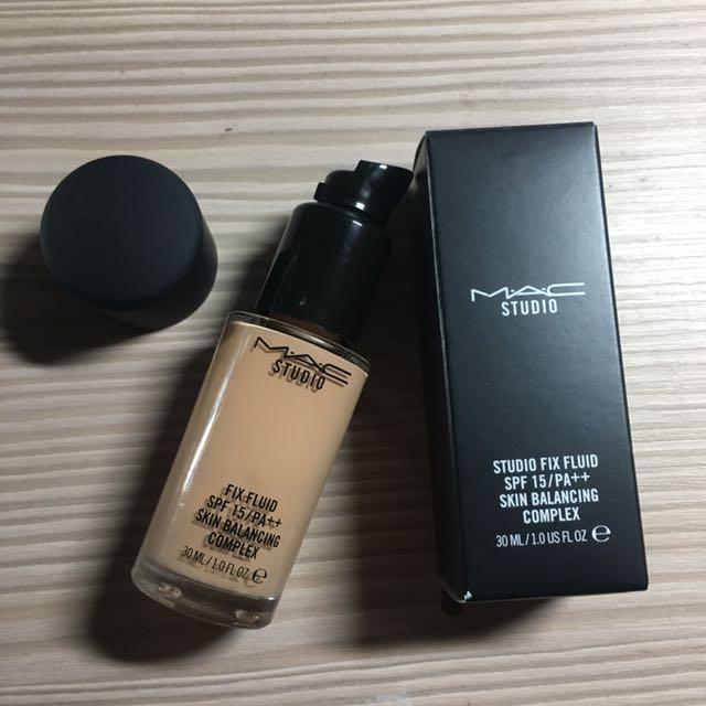 Mac超持妝粉底液N18