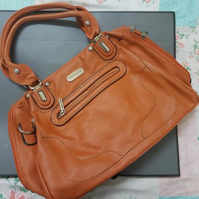 62f0e39a11cf Marie Claire Handbag