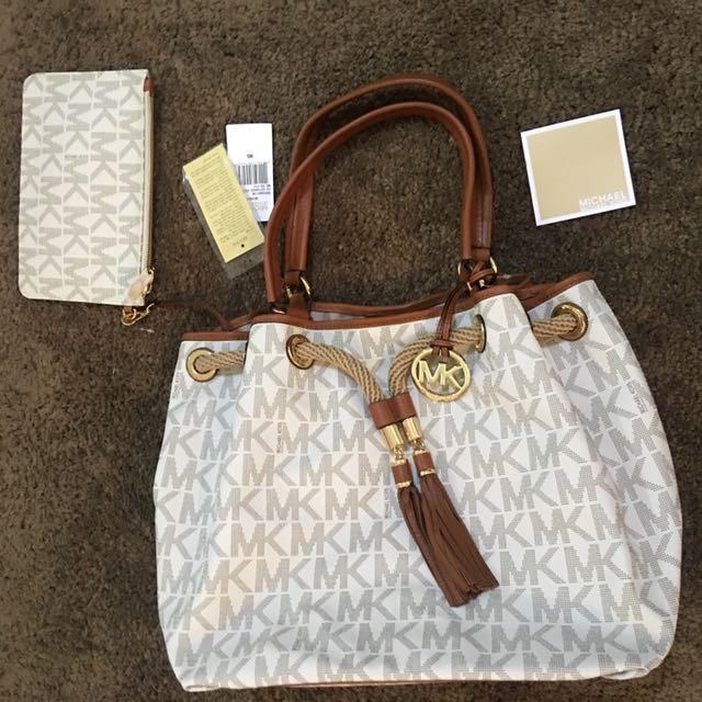 MICHAEL KORS White Bucket Bag