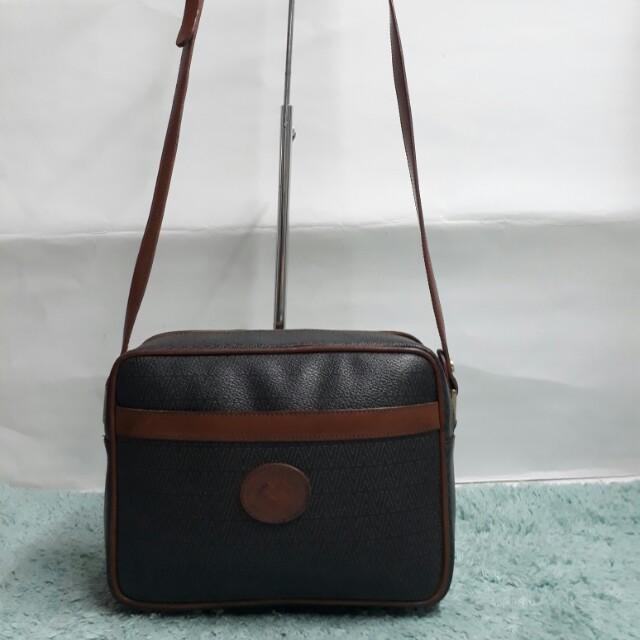 Original Mario Valentino vintage sling bag