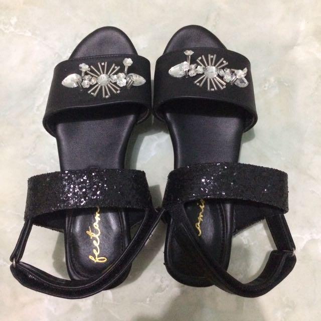 PVRA shoes look a like