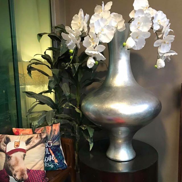Reduced Hotel high Vase