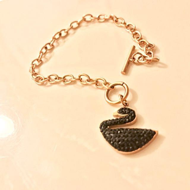 Replica Swarovski bracelet