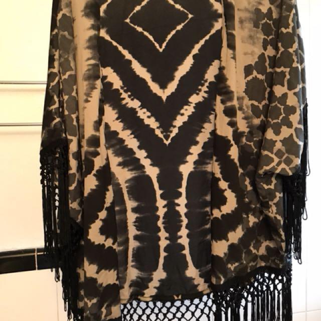 Ripcurl fringe shawl