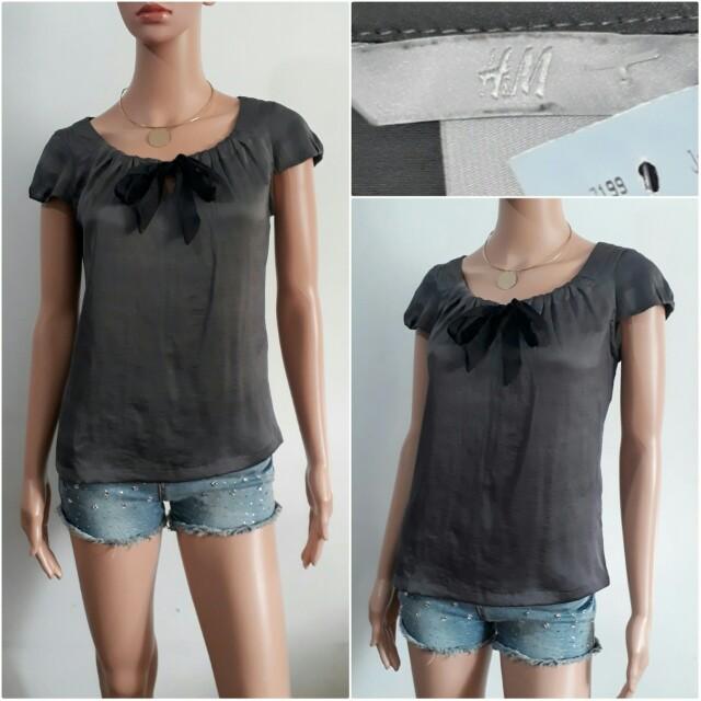 (S) H&M Gray & black top
