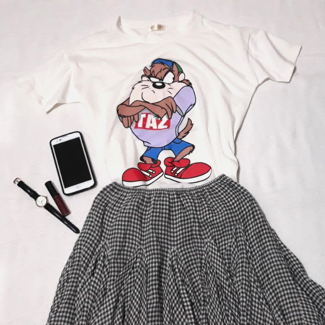 Set 🌸 white semi crop top & frilly checkered skirt