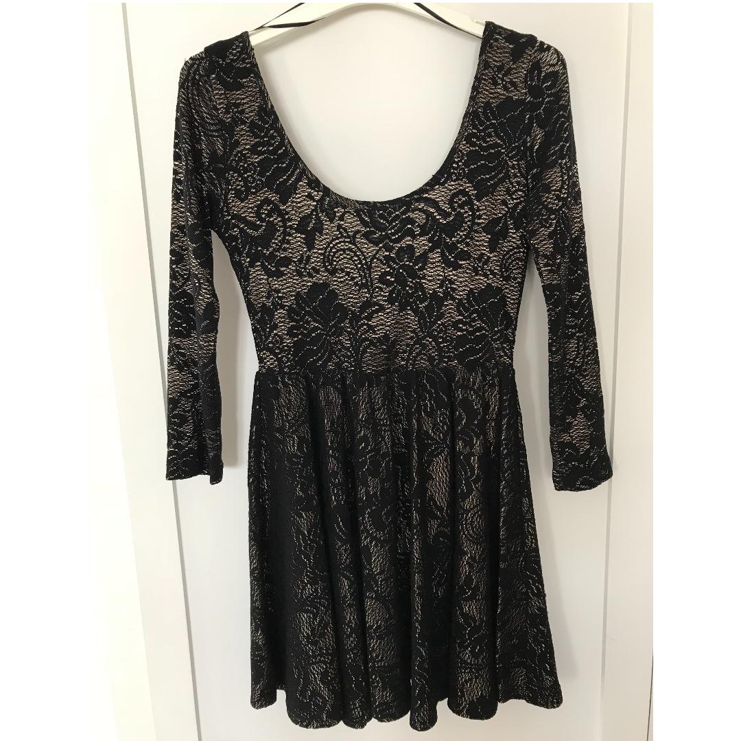 SHONA JOY - Long sleeve black and gold dress Size 8