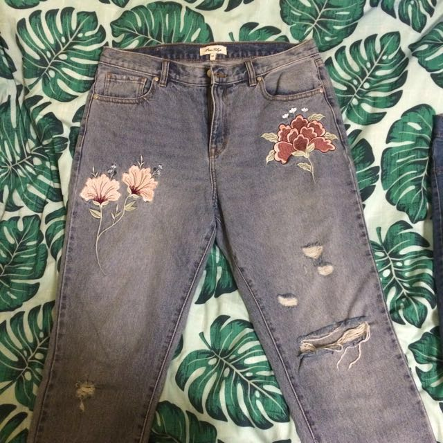 Size 12/14 Miss Shop embroidered jeans