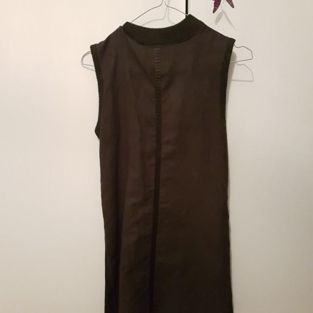 Size 6 black dress