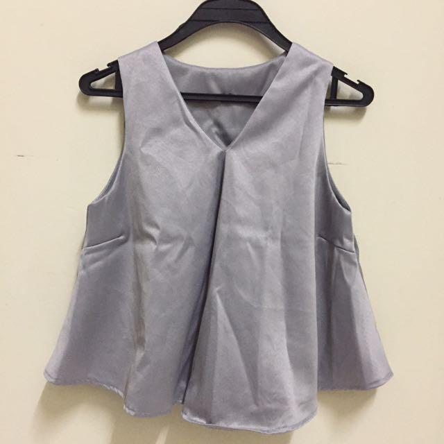 Sleeveless Grey top