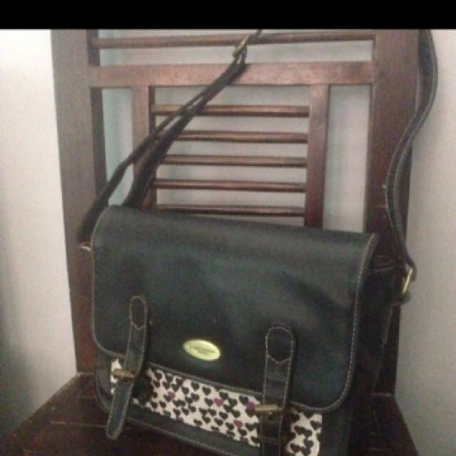 Sling bag sophie martin paris-black| tas selempang wanita