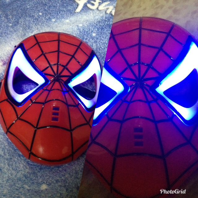 Spiderman mask with ligth