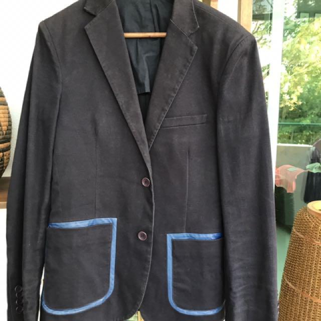 Super cheek navy jacket. Worn once.
