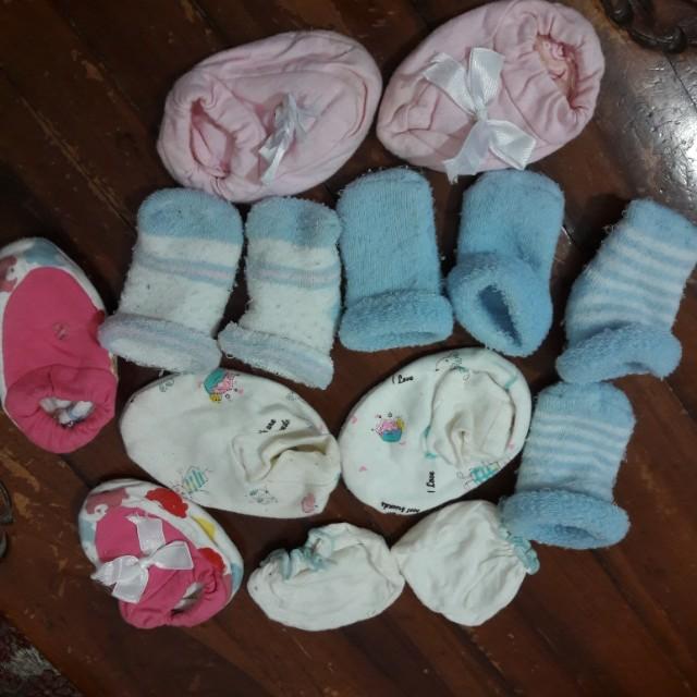 Tisgratis kaos kaki bayi
