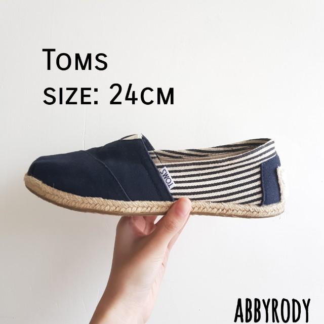 Toms經典款 黑 24cm