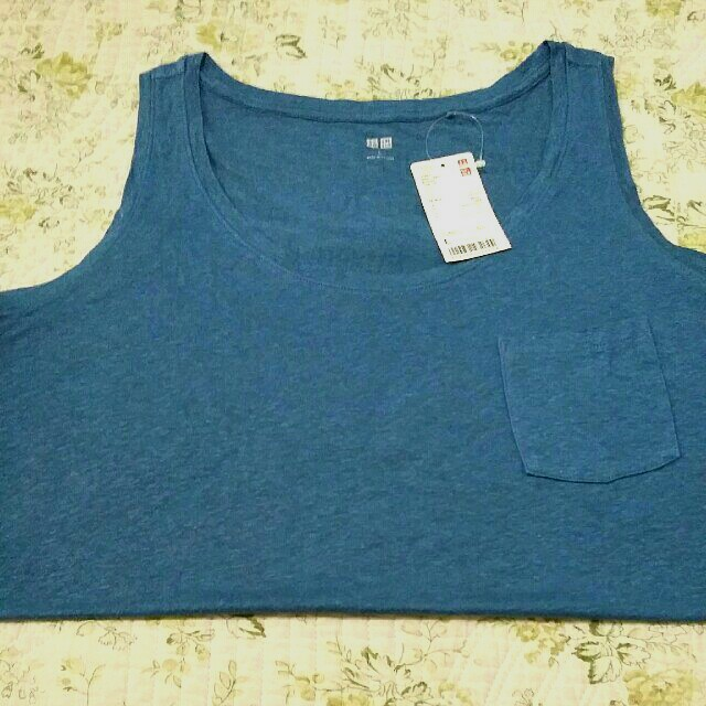 Uniqlo tank top