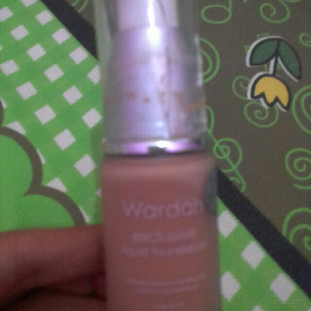 Wardah Liquid Foundation No. 4 Natural
