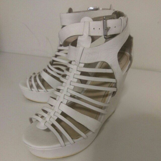 Wittner white wedges
