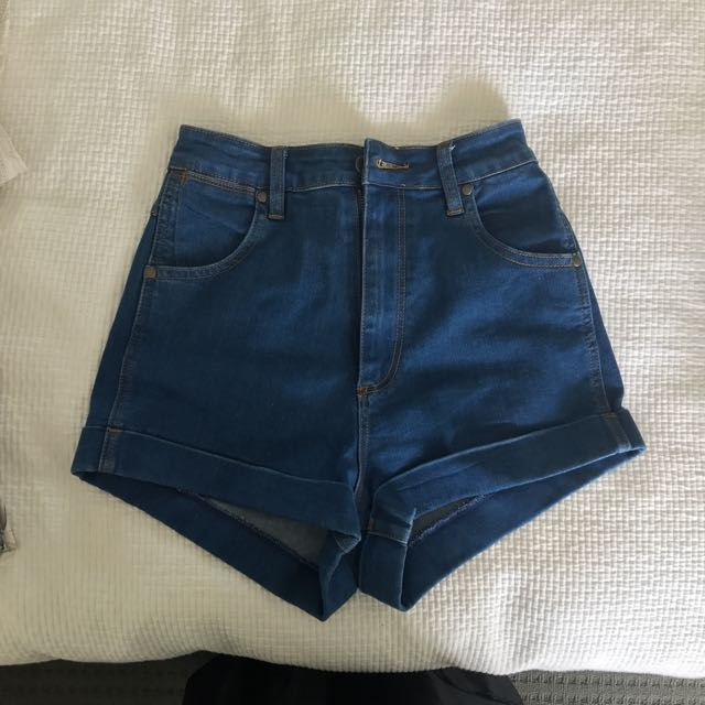 Wrangler pin-up high waisted shorts, size 8