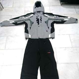 Ski and snowboarding jacket + pants