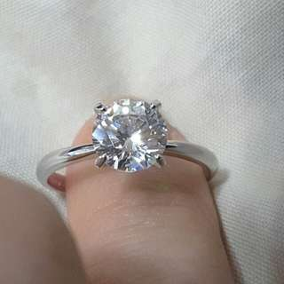 超閃 全新高級仿鑽石戒指 1卡半,閃爆😀 與真鑽石無分別 睇唔出 特平價  非 周生生 周大福可比