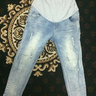Seluar mengandung jeans panjang